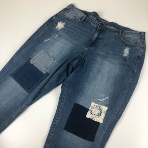 Lane Bryant patch distressed jean capri 22 blue